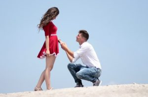 5 Ways To Tell If A Girl Likes You - How To Know If She Loves You